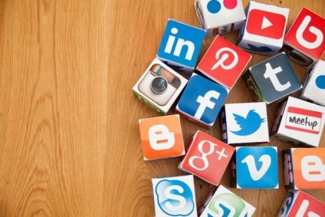 10 Alasan Mengapa Harus Memiliki Akun Media Sosial